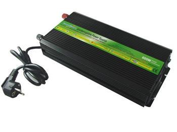 Měnič napětí DREAMPOWER DC-AC 12V/230V 600W s nabíječkou + UPS