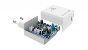 Set nabíječky Cellularline s USB-C konektorem a Lightning kabelu, Power Delivery (PD), 18 W, MFI certifikace, bílý